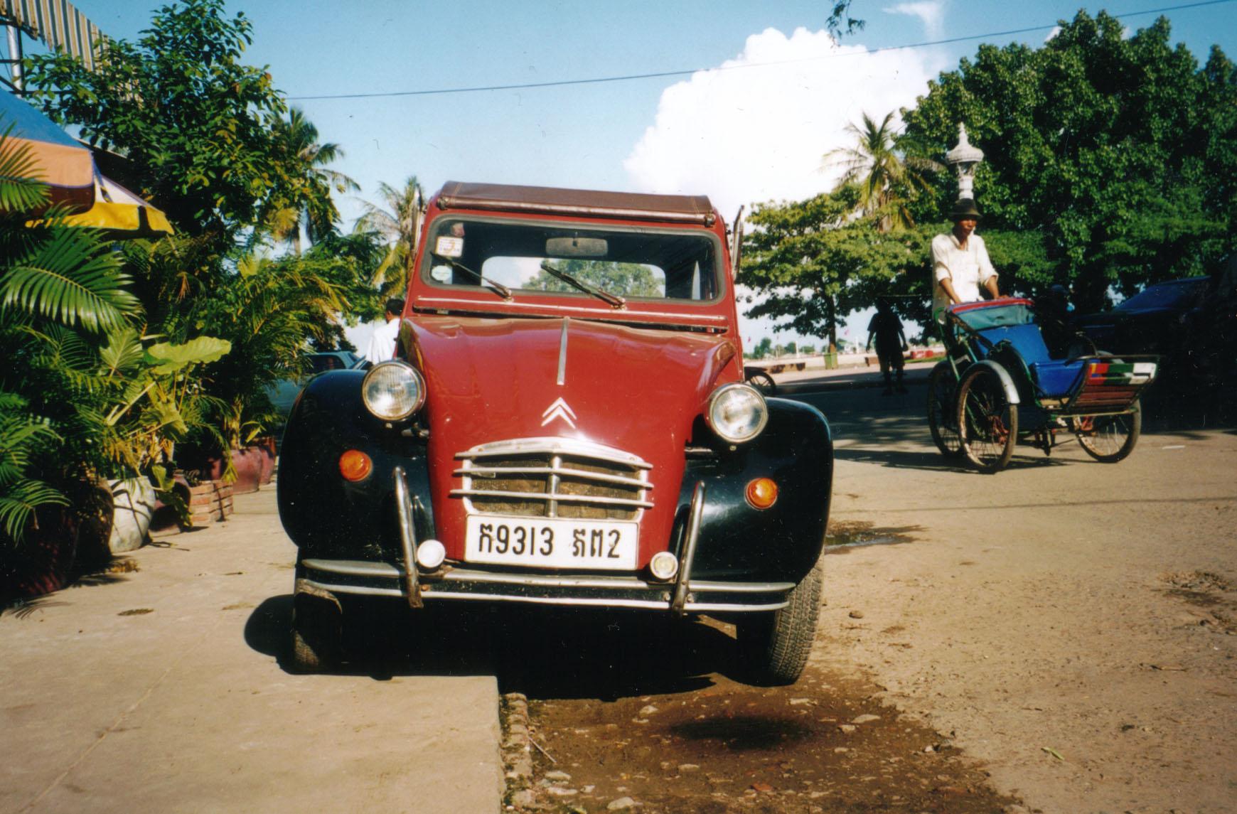 2002 la derni re deuch 39 du cambodge pierre garagiste citro n sp cialiste 2cv depuis 1974 - Garage citroen montreuil ...