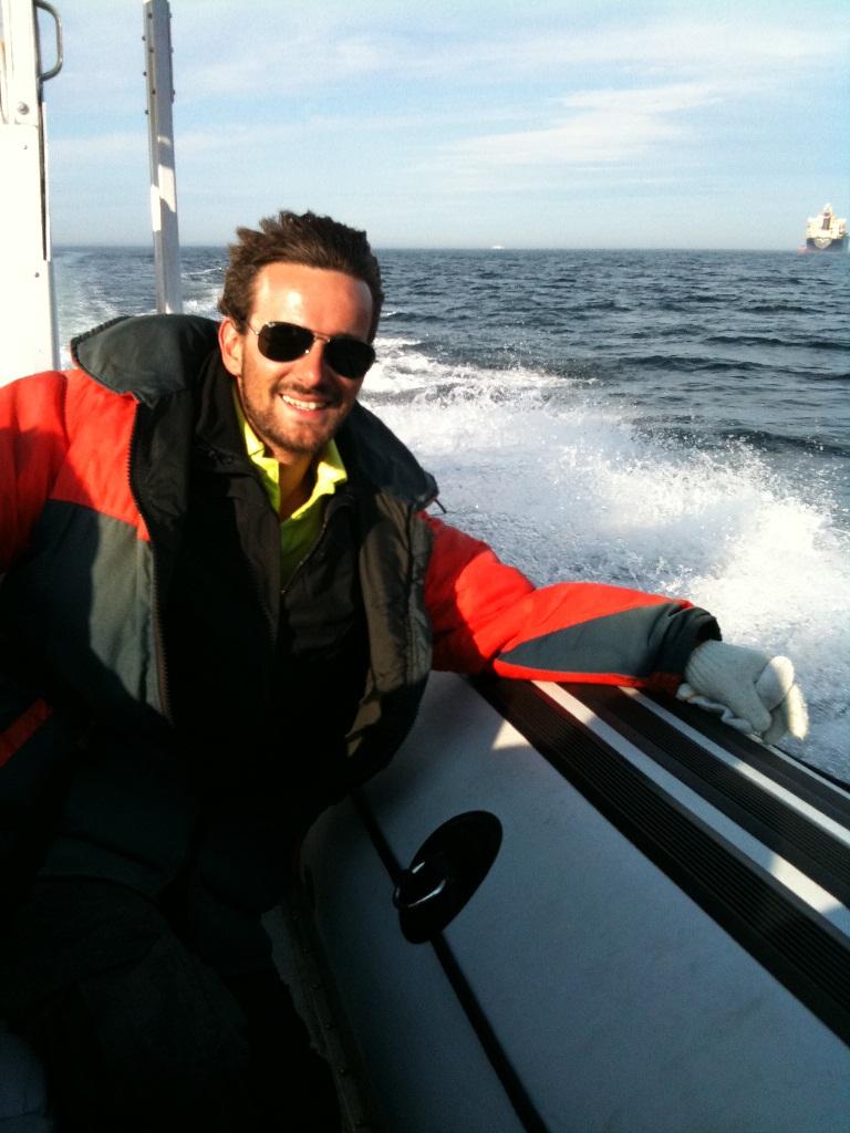 A bord d\'un Zodiac pour aller à la rencontre des baleines à bosse