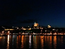 Quebec, le Chateau de Frontenac vu du traversier by night
